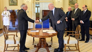 The Hon. Justice Peter McClellan AM and Sir Peter Cosgrove shake hands